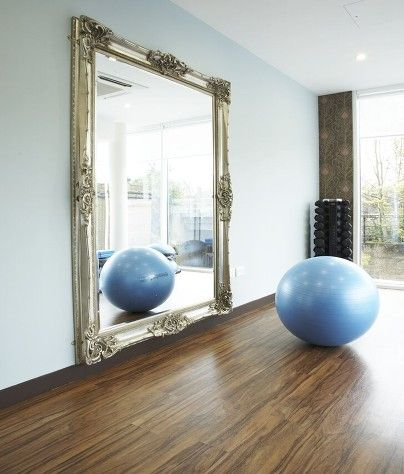 Ladies, your home gym does not need to be plain. Spice is up with a lavish mirror! Make it your own space.