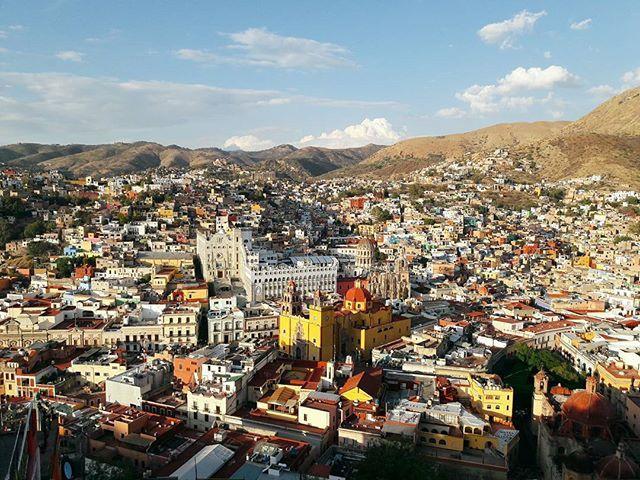 멕시코 찾아보면서 젤 기대했던 곳! 너무예쁘당😍  #멕시코여행 #과나후아토 #travelgram #알록달록 #colorful #guanajuato by irisjj21. travelgram #알록달록 #colorful #guanajuato #과나후아토 #멕시코여행
