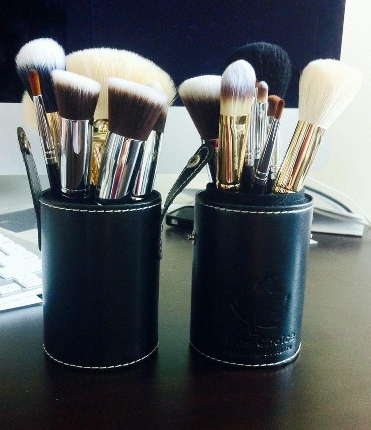 makeup brush holder and carryon. $25! please contact proschoicecanada@gmail.com
