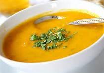 01 - Una sopa es una preparación culinaria que consiste en un líquido con sustancia y sabor. En algunos casos posee ingredientes sólidos de pequeño tamaño sumergidos en su volumen. Una de sus características principales es que se ingiere con cuchara.