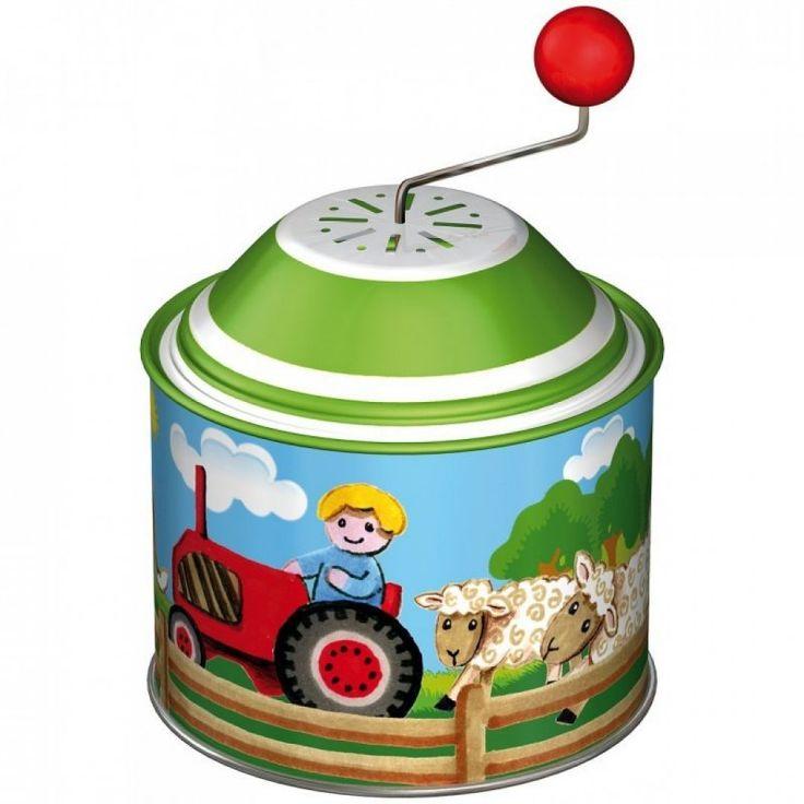 Farm mintával díszített, fémből készült zenélő henger. Kis kart tekerve kedves kis dallamot játszik. Mérete 8 cm. 1 éves kortól ajánljuk.
