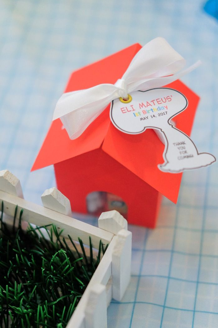 Snoopy house favor box from a Peanuts + Snoopy Birthday Party on Kara's Party Ideas | KarasPartyIdeas.com (22)