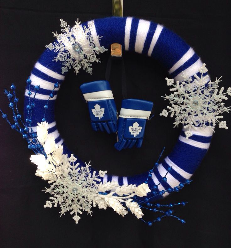 Toronto Maple Leafs Handmade Custom door wreath. Fabulous door decoration! To order visit www.facebook.com/ForTheDoorAndMore