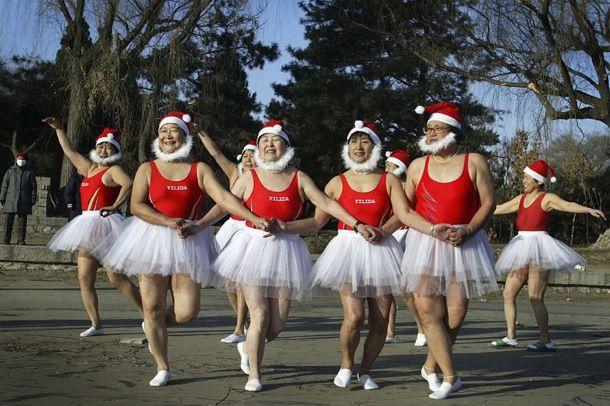 [TANECZNE ZDJĘCIA DNIA]    Christmas Dance in China ;)