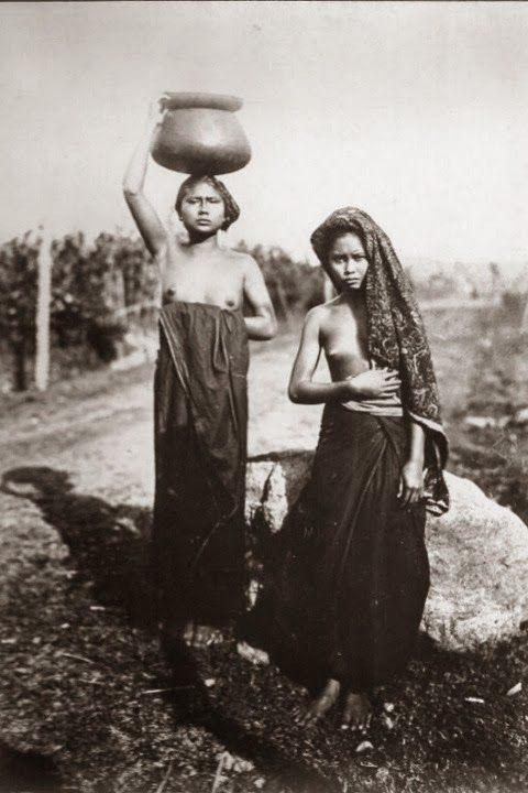 Native Balinesse Girls ~ Bali ~ Indonesia ~ 1920s