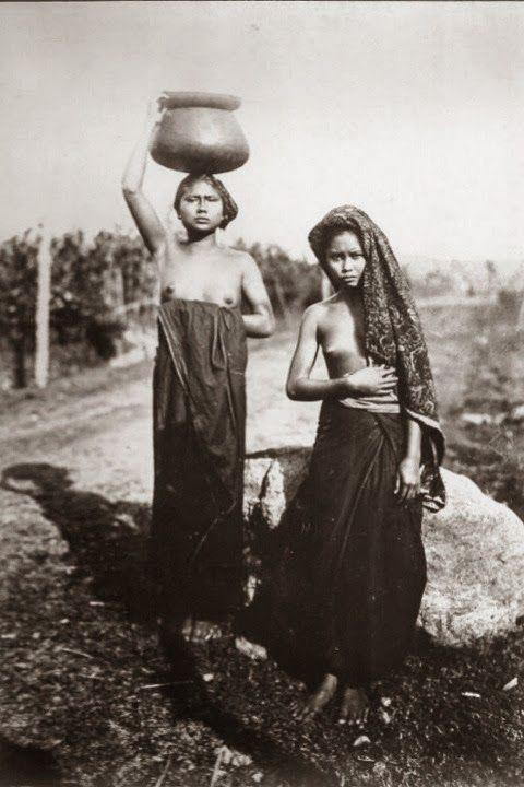 Native Balinesse Girls ~ Bali ~ Indonesia ~ 1920s