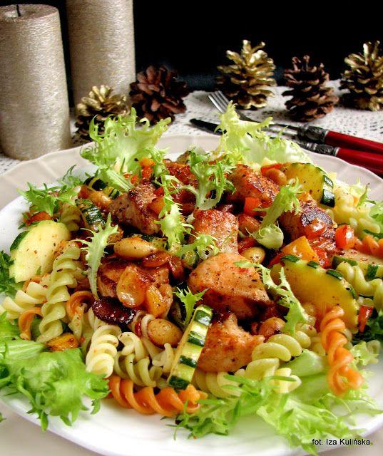 Smaczna Pyza: Szybki łosoś z warzywami na makaronie