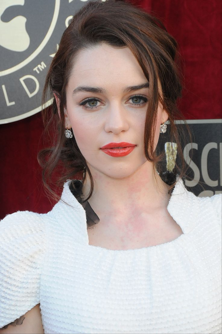Emilia Clarke Is Perfect Pretty Little Things