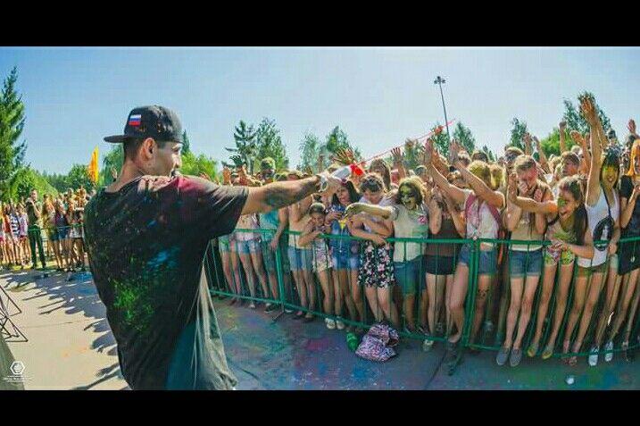 Хорошего дня Всем. #питер #rap #rasha_mc #москва #россия #рэп #2pac #тимати #russianmusicbox #рашидмамаев #музтв #music #blackstar #музыка #colorfest #timati #timatiofficial #радио #radio #hiphop #хипхоп #тв #moscow #кино #blackstarmafia #шоубизнес #баста #красота #аленашишкова #митро