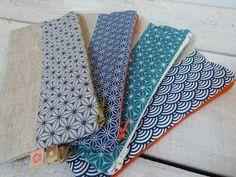 Un petit morceau de lin enduit, quelques chutes de tissu à motifs japonais... Toutes ces fournitures viennent de mon stock, des chutes rest...