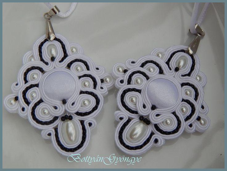 Fekete - fehér sujtás medálok - Black - white pendants soutache