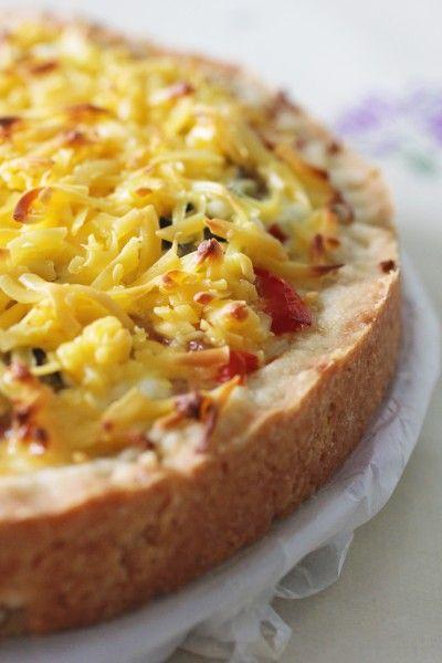 Сладкий тарт с томатами и сыром