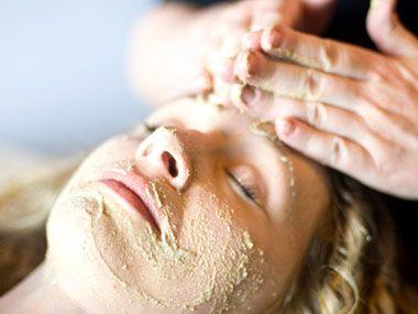 DIY:: Vida Spa's Herb Cleanser:: deep herbal pore cleanse, exfoliation, and dark