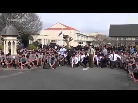 Incredible moment an entire school of boys break into emotional Haka at ...