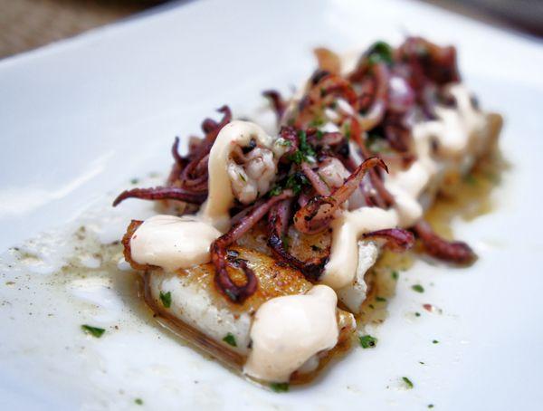 Novo Fishbar : lulinhas grelhadas com alho e salsinha