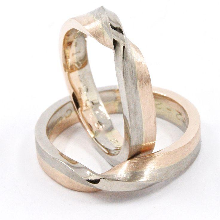 Weddingrings with a twist. 14kt redgold and 14kt whitegold. Made and designed by Galerie PUUR in Rotterdam. #weddingrings #engagementring #galeriepuur #dutchdesign #rottergram #rotterdam #zwaanshals #rotterdam #redgold #shoppingrotterdam #trouwringen #goldsmith #goudsmit #gold #jewelrydesign #jewellerydesign #handmade #custommade #jewelry #whitegold #fashionaddicts #jewelrygram #jewelryartist #instajewelry #jewel #sieradenontwerp #witgoud #roodgoud #tekstring #textring