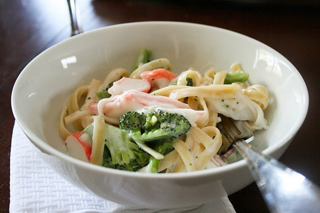 Creamy Broccoli and Seafood Pasta! Yum. | Yummm! | Pinterest