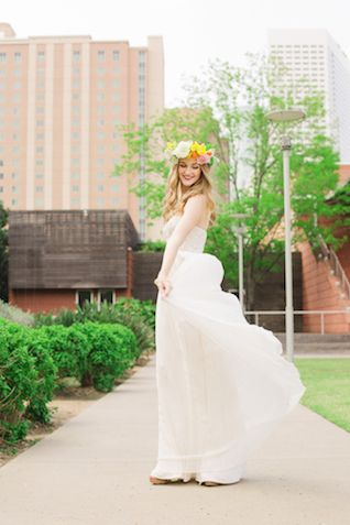 BHLDN Джемма свадебное платье со стразами | Ling Wang Фото | посмотреть больше на: http://burnettsboards.com/2014/05/playful-summer-citrus-wedding/ # BHLDN # weddingdress