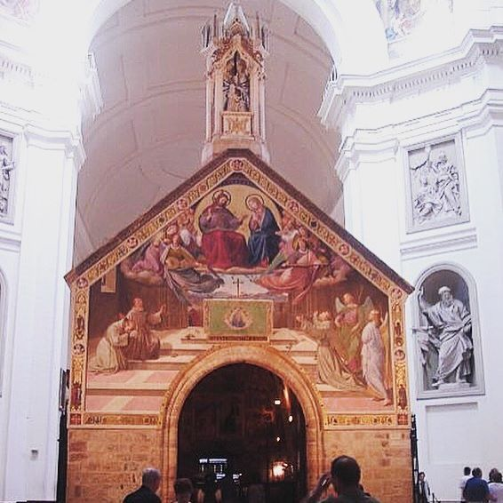ASSISI A church inside a church - I was in awe when I saw this for the first time  #churchofporziuncola #porziuncola #assisi #history #italia #umbria #visititalia #visitassisi #churchinachurch #picturesque #beautiful #inawe #melbournelifelovetravel #italy #holiday #vacation