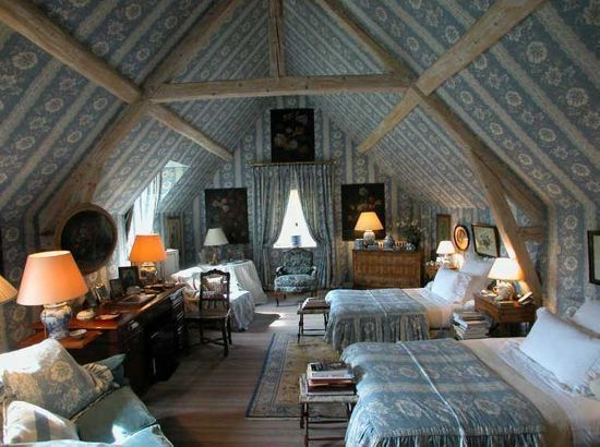 Under the eaves a blue and white french room bedrooms for Eaves bedroom ideas