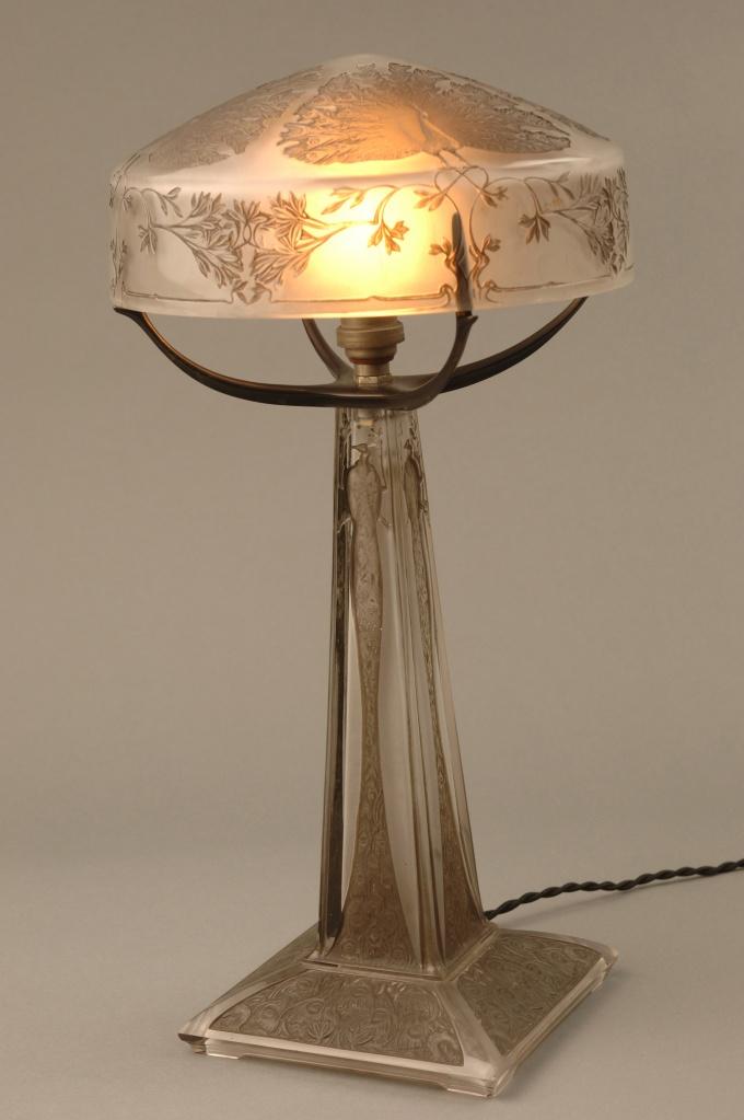 Ren 233 Lalique Lamp Peacocks 1910 Adagp Paris 2011 Jl