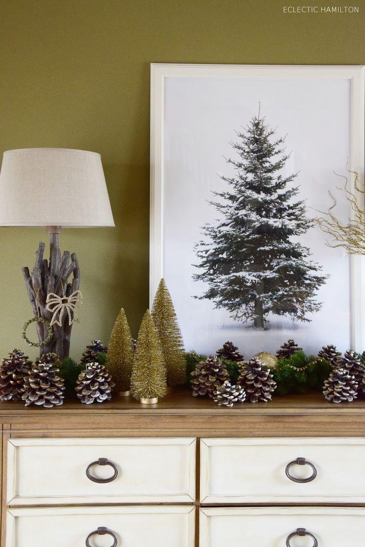 Golden Christmas: Glanz fürs Sideboard, ein goldenes DIY und eine Tanne für die Wand