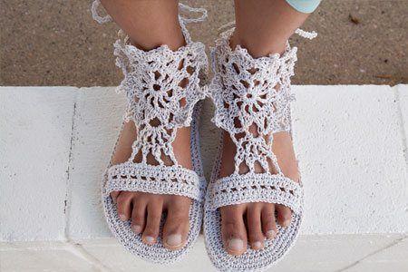 Strappy Sandals - Crochet Me  over flip flop base..