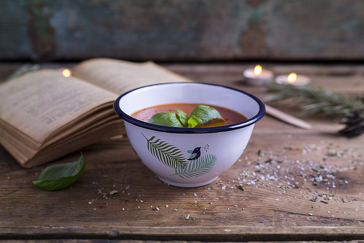 Our medium size enamel bowl perfect for home and garden. Great for serving soups, side dishes, salads and fruits.  This practical, good looking and unique piece of quality enamelware has been designed by talented artists and hand crafted by skilled professionals. Double dipped enamel layer is on rim to ensure its strength and durability. Art decal is carefully applied by hand, baked and melted into the enamel layer under high temperatures in order to preserve these literally for ages.