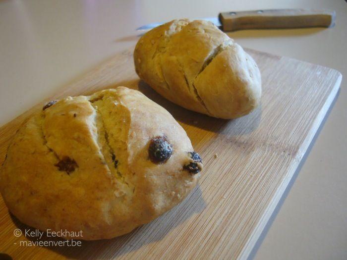 Als er geen brood is en ik wil brood, maar ik heb geen tijd om een brood te bakken en ik wil ook niet naar de bakker en ook de ontbijtgranen zijn op en altijd brownie maken en eten is nu ook niet z…