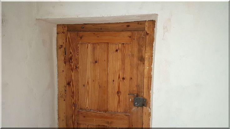 Felújított öreg fa ajtó