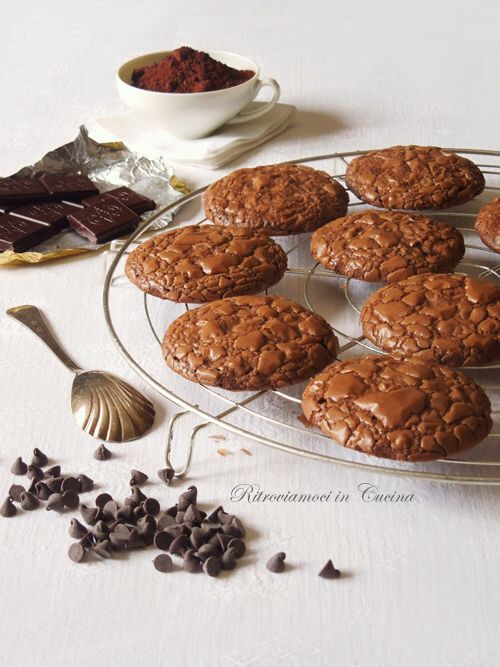 Ritroviamoci in Cucina: Cookies al Cioccolato (Senza Burro)