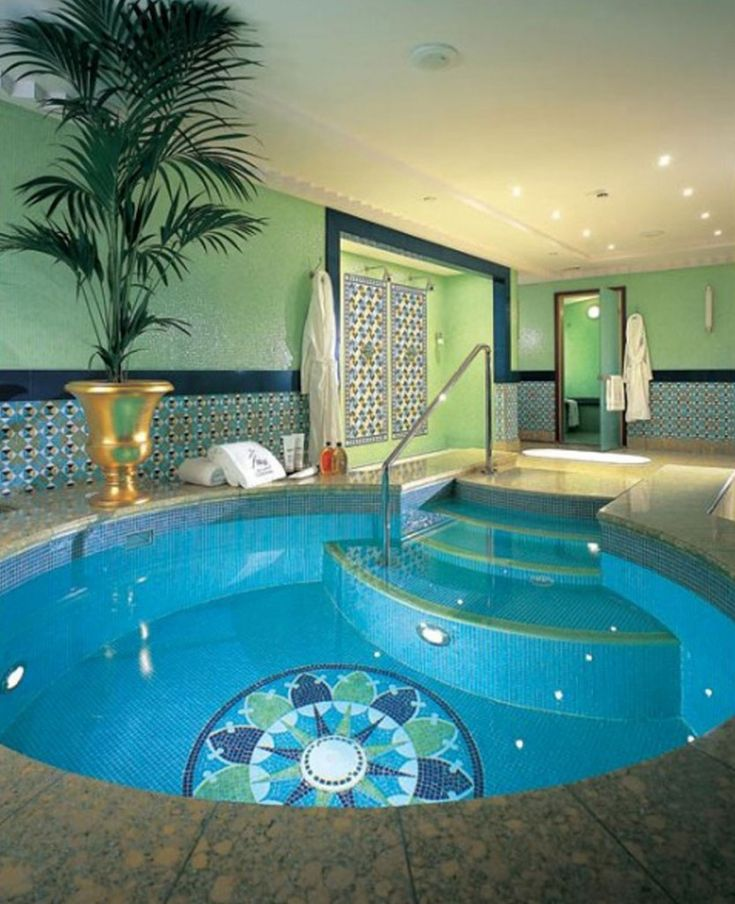 Indoor swimming pool luxus  Die besten 25+ kleiner Innenpool Ideen auf Pinterest | Privatpool ...