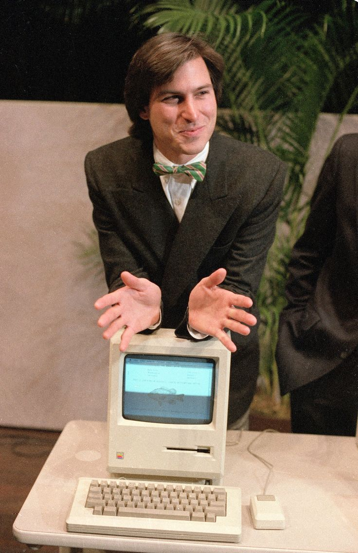 Steve Jobs with the Mac. #bowtiesarecool