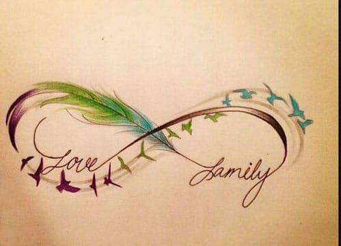 tatuajes de infinito con pluma a color