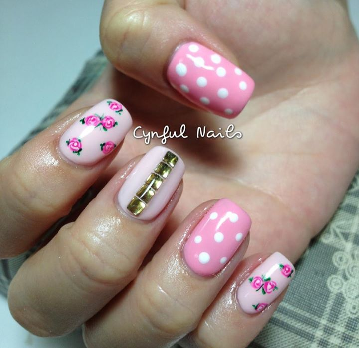 Mix & Match nails with polka dot & sweet roses !