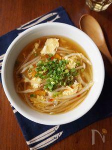 ふんわり卵ともやしの中華スープ