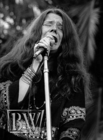 Janis Joplin ao vivo por Baron Wolman.