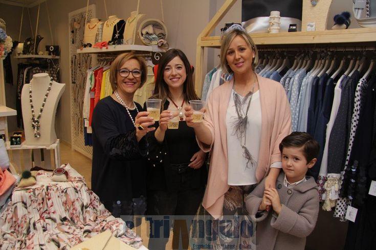 El triángulo » La tienda de ropa y complementos Carola Art abre sus puertas en la calle San Miguel de Onda