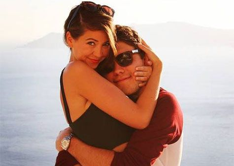 A post shared by Zoella (@zoella) on Mar 25, 2017 at 12:11pm PDT Happy birthday, Zoe Sugg! The British Queen of YouTube turned 27 years old today and celebrated the special occasion with the help of friends like Tanya Burr, Marky Ferris and — you guessed it — her boyfriend, Alfie Deyes. In honor of …