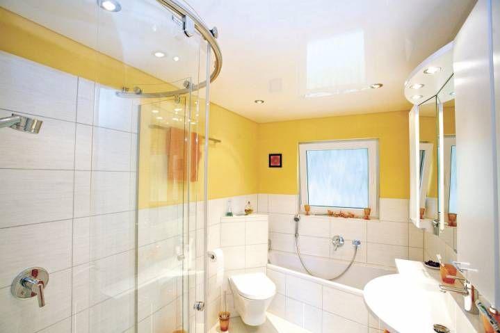 Преимущества использования натяжного потолка в интерьере ванной
