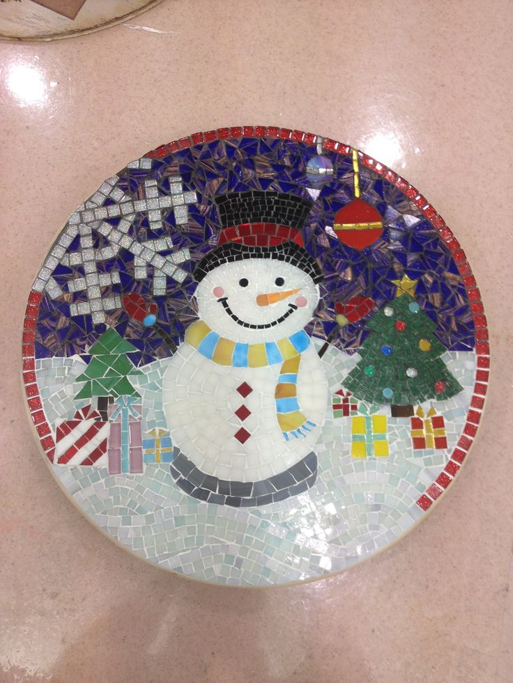 Mosaic lazy susan Done by Maie Christmas