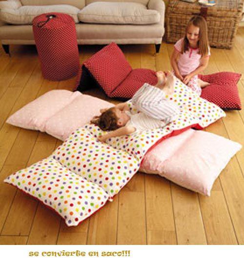 saco que se convierte en cama para invitados con unos estampados geniales.