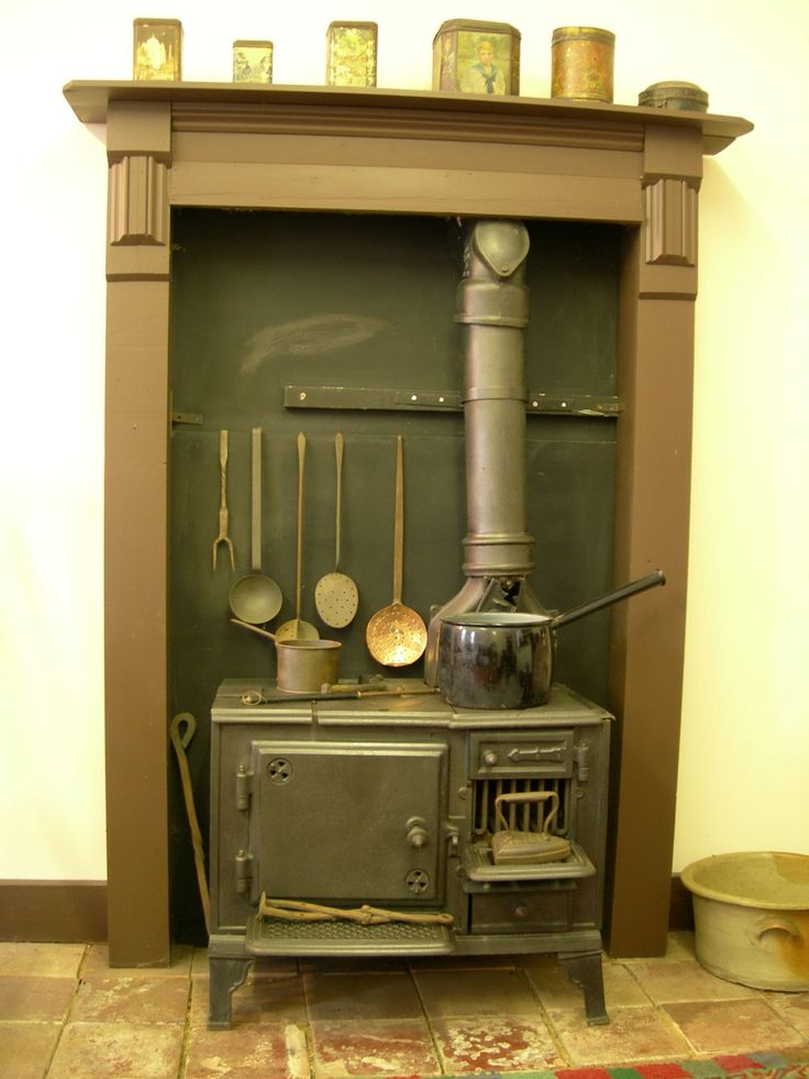 105 best images about victorian cooking stoves on for Edwardian kitchen