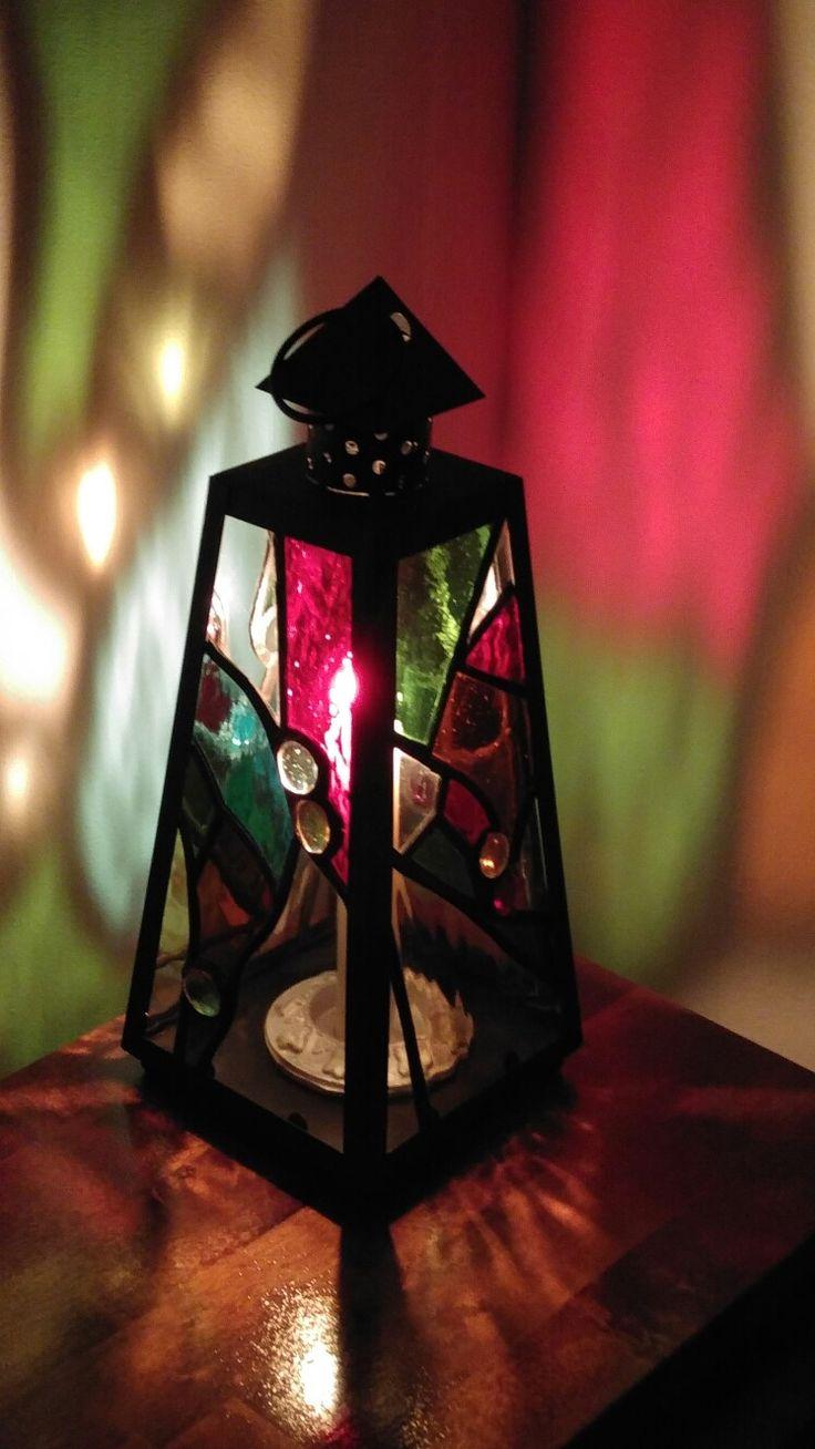Vytrážový lampášik vyrobený technikou Tiffany