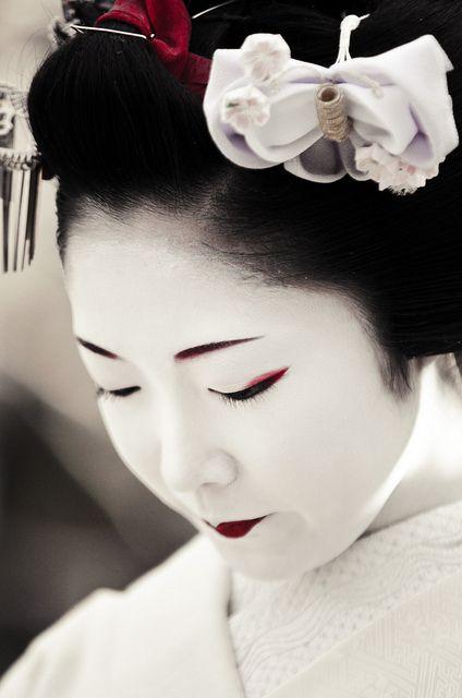 Maiko Toshikana. S)