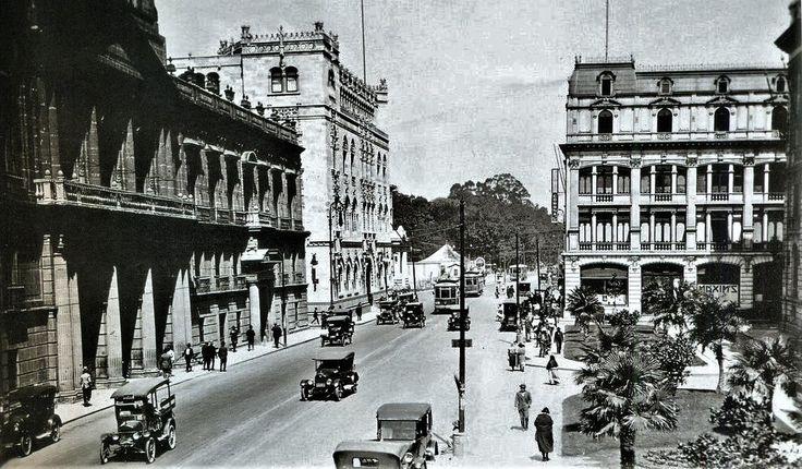 Calle Tacuba, 1920s.