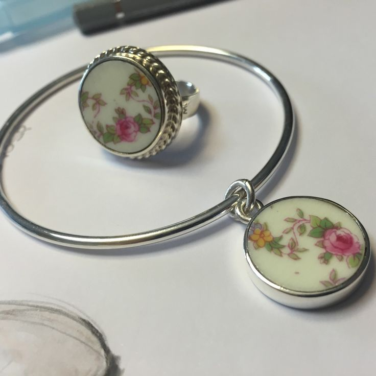 Bracelet & ring #porcelain #match #upcycling #marialasarga #marialasargajewelry #accesories #signaturedesign #diseñodeautor #jewelry #productdesign #artisan #handcrafted #designpiece  #diseñouruguayo #localdesign #joyeria #porcelain
