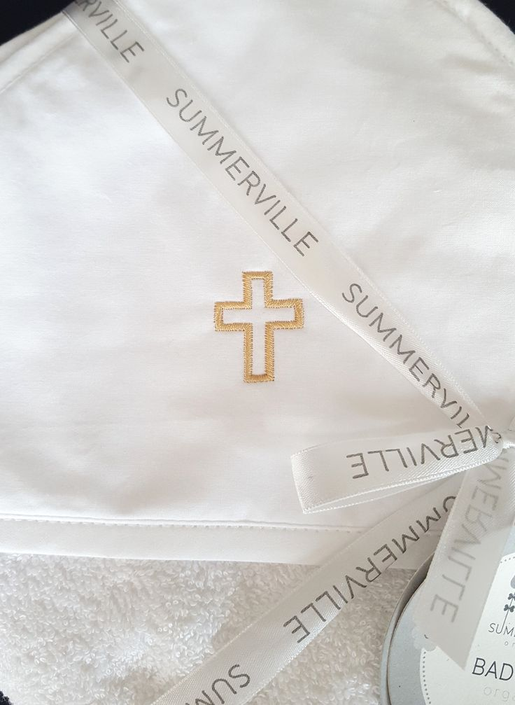Badcape / handduk för ortodoxa dop med kors. Ortodox christening