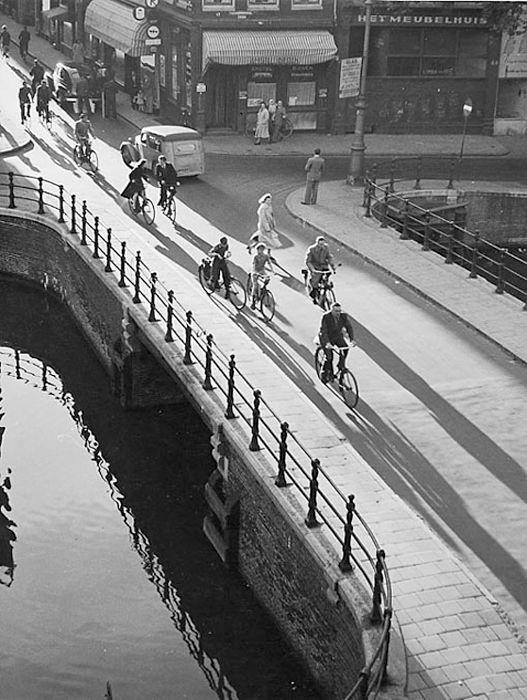 """ Bridge Kloveniersburgwal "" Amsterdam, 1956. Kees Scherer"
