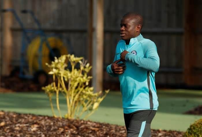 Kante faces late fitness test ahead of Man United game (Reuters) - Defensive midfielder N'Golo Kante faces a late fitness test to make Chelsea's squad for Sunday's Premier League game against Manchester United at Stamford Bridge, manager Antonio Conte said on Friday. Kante, who picked up a hamstring ...